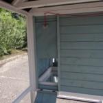 Ouverture du nichoir au enclos