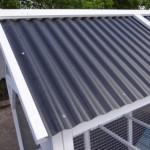 Poulailler avec toiture