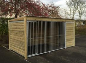 Chenil pour chien Forz 2x4 avec cadre en bois et niche isolée